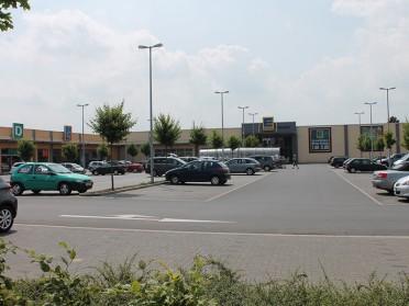 Zuelpich, Bonner Straße (Fachmarkt-Zentrum)